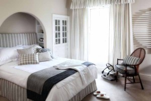 Angus stripes linen bedroom